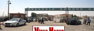 Akçakale sınır kapısı'nda Türkiye'ye geçişler durduruldu