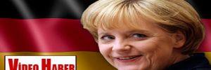 Merkel, Bavyera'daki seçim provasında güldü