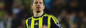 Emre Belözoğlu profesyonel futbol kariyerini noktaladığını açıkladı