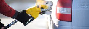 Benzinde 12 kuruş indirim beklentisi