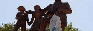Atatürk anıtına çekiçle saldıran zanlı tutuklandı!