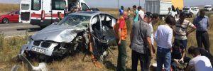 Otomobil ile hafif ticari araç çarpıştı: 1 ölü, 5 yaralı