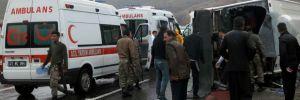 Diyarbakır'da yolcu midibüsü devrildi: 2 ölü