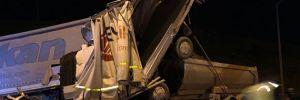 Kurtköy TEM otoyolunda kaza; bir kamyon ve iki tır birbirine girdi yaralılar var
