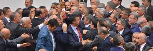 Meclis'te CHP ve AKP milletvekilleri arasında arbede