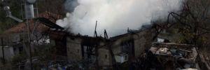 Kumluca'da yaşlı çiftin evi yandı