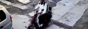 Kendi bisikletini bıraktı, elektrikli olanı çaldı