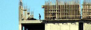 15 katlı inşaatta tehlikeli çalışma