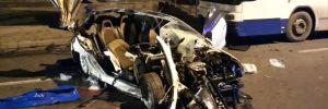Ankara'da otomobil, otobüse çarptı: 2 ölü, 1 yaralı