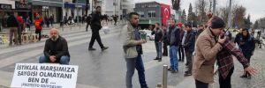 İstiklal Marşı'nda ayağa kalkmayan mimara tepki