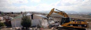 Ankara'da kumarhane olarak kullanılan gecekondular yıkıldı