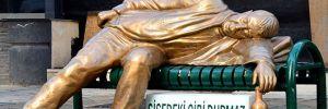 Eskişehir Belediyesi'nden 'sarhoş adam heykeli'