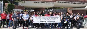 Anadolu Üniversitesi önünde 'bölünme' protestosu