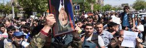 Ermenistan'da polis, protestocuların liderlerini gözaltına aldı