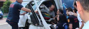 İzmir'deki zincirleme kazada 1 kişi yaralandı