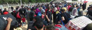 Sınırda 'bayram' izdihamı