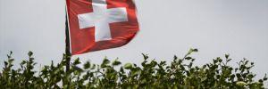 İsviçre'de yardım paketi için uzun kuyruklar oluştu