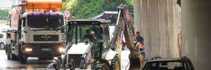 Sancaktepe'de yağmur: Alt geçitte araçlar mahsur kaldı