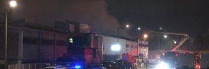 Tuzla'da plastik boya fabrikasında korkutan yangın