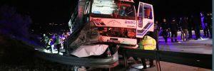 Kamyon, polis aracı ve otomobile çarptı: 1 şehit, 8 yaralı