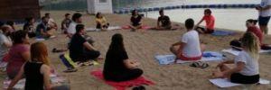 CHPli yönetici partililerle adeta alay ederek, 'Saldırı olursa yoga yapın' dedi!