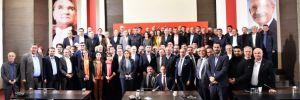 Kılıçdaroğlu, MYK sonrası milletvekilleriyle bir araya geldi