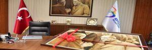 Atatürk tablosu Beylikdüzü'nden Saraçhane'ye doğru yola çıkıyor