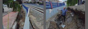 Tren yolunun istinat duvarı çöktü