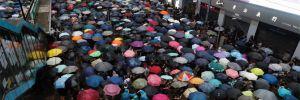 Çin'in uyarısına rağmen Hong Kong'da gösteriler sürüyor