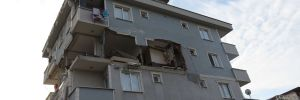 İstanbul'da 6 katlı bir binada patlama meydana geldi