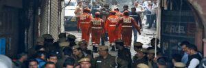 Hindistan'da fabrika yangını: En az 43 kişi hayatını kaybetti
