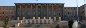 Meclis bahçesi ofis oldu