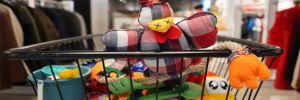 CHP'li Belediye'nin Sevgi Mağazası'nda bir haftada 78 aileye 932 parça giyecek