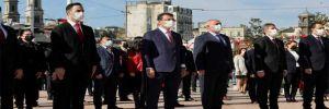 İmamoğlu, 23 Nisan'ın 101'nci yıldönümünde Taksim'deydi!
