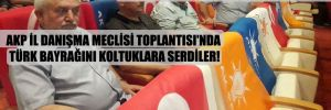 AKP İl Danışma Meclisi Toplantısı'nda Türk bayrağını koltuklara serdiler!