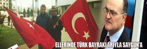 Ellerinde Türk bayraklarıyla Saygun'a kan vermeye geldiler