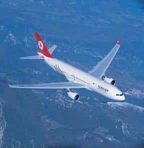 Tiflis'ten İstanbul'a giden uçağa kuş çarptı, Trabzon'a acil iniş yaptı