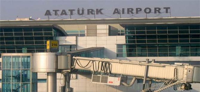 Atatürk Havalimanı'nda personel servisi kaza yaptı: 9 yaralı