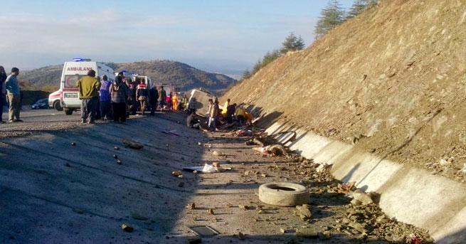 Isparta'da katliam gibi kaza: 13 ölü