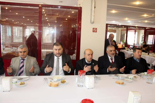 CHP'li belediye din görevlilerine yemek verdi