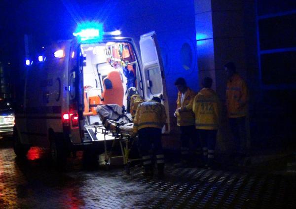 112 Acil çalışanı 5 yerinden bıçaklandı