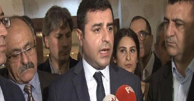 Demirtaş: AKP ile Cemaat'i birbirinden ayırmıyoruz
