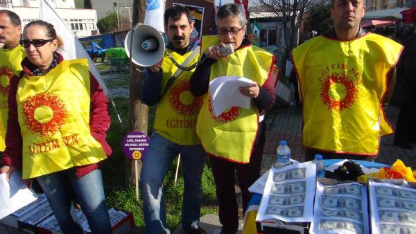 Eğitim-Sen'den ayakkabı kutulu protesto