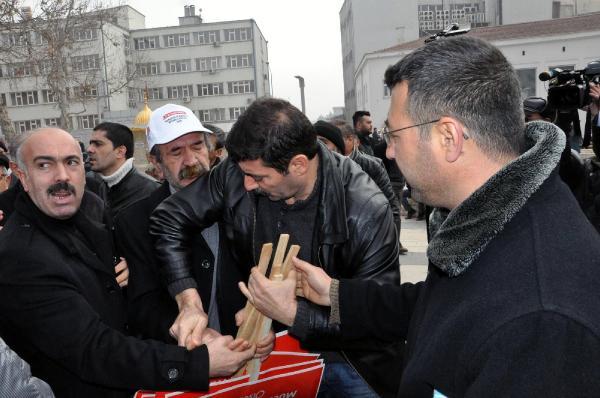 Polis CHP'nin yolsuzluk dövizlerine el koydu