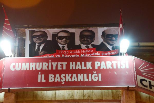 Kocaeli'de CHP'den yeni 17 Aralık afişi