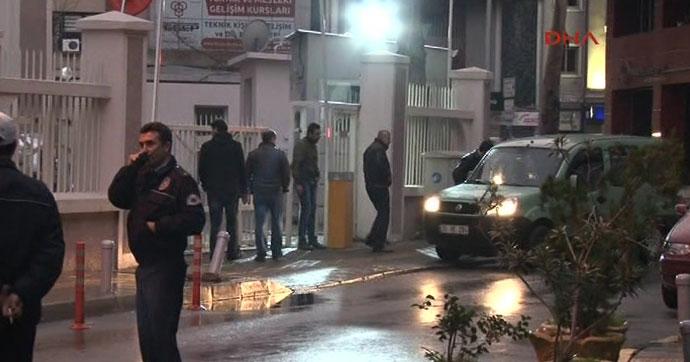 İzmir'de yasa dışı dinleme operasyonu!