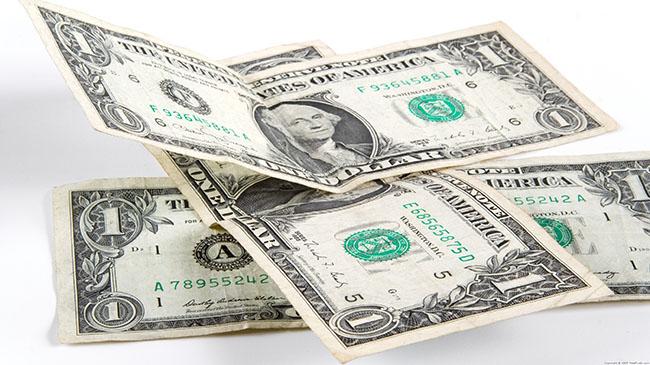 Dolar rekor tazeliyor: 2.43