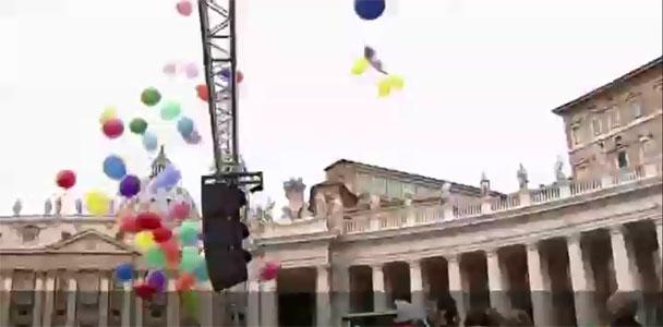 Papa'dan Vatikan'da radikal değişiklik