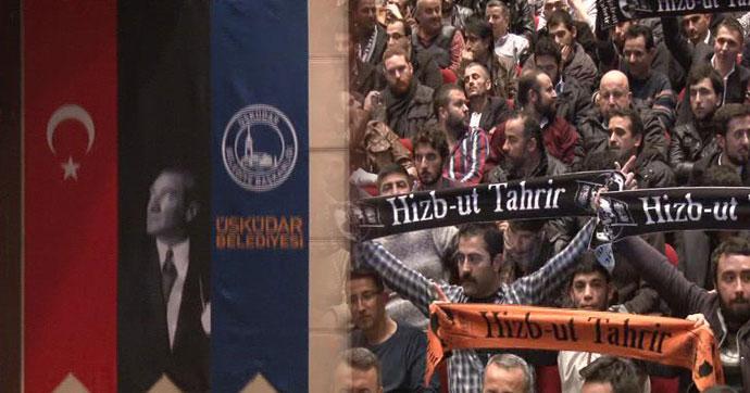 Hizb-ut Tahrircilerin konferansında Atatürk posteri tartışması