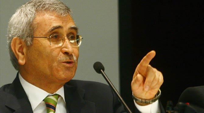 İsmail Kahraman görevi geçici Meclis Başkanı Yılmaz'a devretti